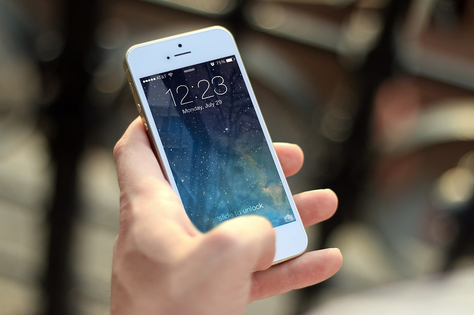 What Can IT Departments Do About Mobile Malware